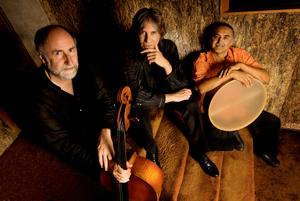 Trio-Globo