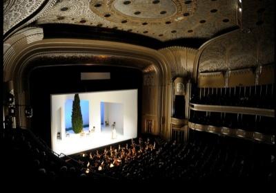 Set for Così fan tutte, 2009 (Cleveland Orchestra Archives)