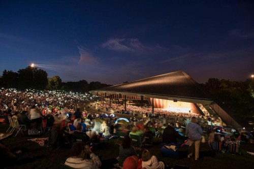 A packed house and lawn at Blossom on August 24 (photo by Roger Mastroianni)